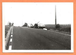 PHOTO ORIGINALE 1971 - ACCIDENT DE VOITURE PEUGEOT 504 - CRASH CAR - Auto's