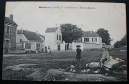 CPA Yvelines - Bouviers (78280) – Carrefour De La Maison Blanche – Animée - A Voyagé En 1907. 0 - Sin Clasificación
