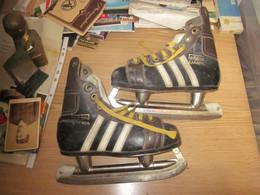 Old Vintage Ice Skates Adidas Canada Adidas SSS Number 33 Made In Yugoslavia Adidas The Brand - Pattinaggio Artistico