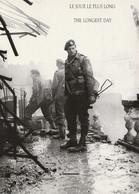 CARTE POSTALE 10CM/15CM PHOTO DE J-M LEZEC N 12 : LE JOUR LE PLUS LONG THE LONGEST DAY DU 06 JUIN 1944 LE DEBARQUEMENT - Oorlog 1939-45