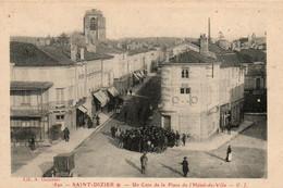 Saint Dizier La Place Et L'Hôtel De Ville - Saint Dizier