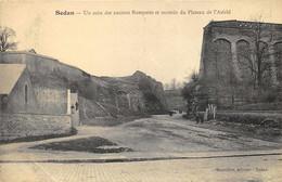 Sedan - Un Coin Des Anciens Remparts Et Montée Du Plateau D'Asfeld - Sedan
