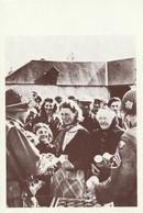 CARTE POSTALE 10CM/15CM PHOTO ROGER VIOLLET NORMANDIE JUIN 1944 DEBARQUEMENT AMERICAINS LA RATIONS ALIMENTAIRES - Oorlog 1939-45