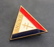 """WW2 Broche Ancienne """"A.N.C.V.R. - Association Nationale Des Combattants Volontaires De La Résistance"""" WWII - 1914-18"""