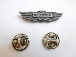 Beau Pin's En Relief  , Moto Harley Davidson - Moto