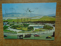 "Hongkong , Kai Tak Airport , Kowloon "" Carte Animée Avion En Descente "" """" Beau Timbre """" - Cina (Hong Kong)"