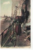 CPA   DIEPPE  Grotte De Pêcheurs Dans La Falaise  N° 240 - Dieppe
