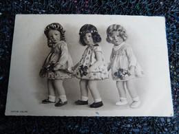 Illustrateur Kathe Kruse, 3 Petites Poupées Avec Bouquets De Fleurs   (Z7) - Altre Illustrazioni