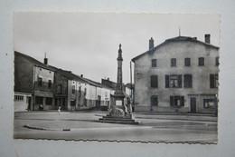 57 : Koenigsmacker - Place Des Halles - Le Monument - Andere Gemeenten