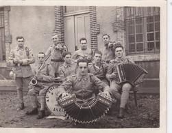 Photo Meuse St Mihiel L'orchestre150 E Régiment D'infanterie Mardis Gras 1931divers Instruments Musique   Réf 3038 - Guerra, Militares
