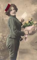 DC985 - Schöne Motivkarte Junge Dame Mädchen Frau - Women
