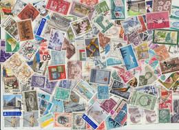 Tütenlot Mit Ca. 2000 Marken Europa Querbeet, Alt Und Neu - Kilowaar (min. 1000 Zegels)