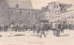 4843323Alkmaar, Groet Uit Alkmaar Rond 1900 Kaasmarkt. (zie Bovenrand Ook Aan De Achterkant) - Alkmaar