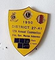 Pin's  2  Attaches  Lions' Club, 1990, District  27-A1, 12 Th Annual Convention, Dist. Gov. Warren Ackerman - Associations