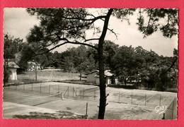 CPSM Petit Modèle (Ref : BB 666) 5 - ANDERNOS-le-MAURET (33 GIRONDE)  Le Tennis Du Casino Neptune - Andernos-les-Bains