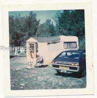 P83 - Photo Ancienne Polaroid 1976 - Renault 15 Et Caravane Au Camp Des Gravières à Gap - Automobiles