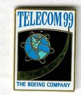 Pin's The Boeing Company Télécom Téléphone Téléphonie Planète Terre Avion Aviation - Andere