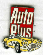 Pin's Voiture Automobile Chevrolet Corvette 1960 Magazine Média Auto Plus (version Signée Sofrec Paris) - Corvette