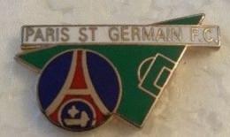 Pin's - Sports - Football - P.S.G. - PARIS ST GERMAIN F.C. - - Football