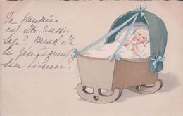 Bébé Dans Son Landau Buvant Son Lait, Litho (18833) - Autres
