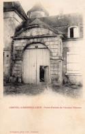 CPA    -    CORVOL L' ORGUEILLEUX      -   PORTE D' ENTREE DE L ' ANCIEN CHATEAU - Otros Municipios