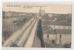 30 Gard Aigues Mortes Vue Générale Du Quai ( Train, Péniche ) Et La Tour De Constance - Aigues-Mortes