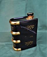 Rare Bouteille Liqueur De Collection Livre à Cognac  En Céramique - Spirits
