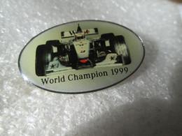 PIN'S    FORMULE 1  McLAREN   MERCEDES   WORLD CHAMPION 1999   WEST  MIKA  HAKKINEN - Mercedes
