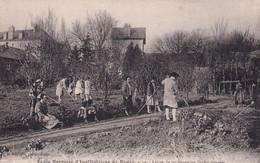 FR-12: RODEZ: Ecole Normale D'Institutrices De Rodez - Leçon De Jardinage Au Jardin Potager - Animation - Rodez