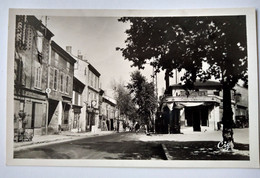 26 - SAINT-RAMBERT-D'ALBON - La Rue Nationale Et La Place - Restaurant Chez Camille - CPSM 9 X 14 - TBE - Non Classificati