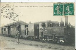 L 'AIGUILLON SUR MER - Le Train En Gare D'AIGUILLON - Other Municipalities