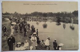 Carte Postale Troyes Concours De Pêche Dans La Ballastière De Clérey Animée - Troyes