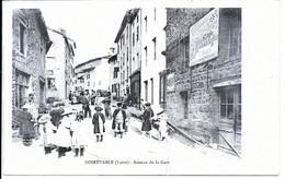 NOIRETABLE - Avenue De La Gare  (très Belle Animation - Un Montreur D'ours) - Noiretable