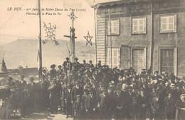 H1103 - LE PUY - D43 - 27e Jubilé De Notre Dame Du Puy - Pèlerins Sur La Place Du For - Le Puy En Velay