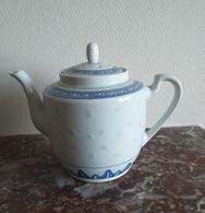 THEIERE En Porcelaine Chinoise - Teapots
