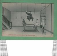 C.P.A  DE  COURS DACIER , SAUMUR --- SALLE DE  GYMNASTIQUE ------ ANIMEE ---- - Saumur