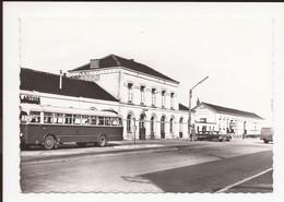 Leopoldsburg  : Station; Autobus , Coach , Bus Van Buurtspoorwegen  NMBS + Chevrolet  +/- 1968 - Buses & Coaches