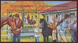 Finlande - Finnland - Finland Bloc Feuillet 1990 Y&T N°BF6 - Michel N°B6 *** - équitation - Blocks & Kleinbögen
