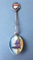 KÖLN Allemagne - Ancienne Petite Cuillère Souvenir Emaillée, Armoiries Et Vue Sur L'Eglise - Spoons