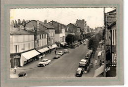 CPSM Dentelée -(55) BAR-le-DUC -Aspect Du Boulevard De La Rochelle Dans Les Années 50 - Voiture(s), Auto(s), Ancienne(s) - Bar Le Duc