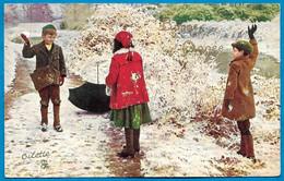 CPA Bataille De Boules De Neige : Enfants Enfance ° TUCK'S Post Card Oilette - Scene & Paesaggi