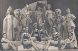 Photo C.1930 Danse Danseuse Artiste  Jeune Fille Pin-up - Paris, Rome, Nice - Pin-ups