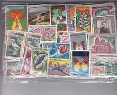 TIMBRES  , AFRIQUE , Après Indépendance , 100 Grs Décollés, GF Et PF , Oblitérés Et Neufs , Des Séries Complètes NSC - Lots & Kiloware (mixtures) - Max. 999 Stamps