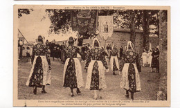 29 - Pardon De Ste ANNE La PALUE - Dans Leurs Magnifique Toilettes De Mariages Toutes Chamarrées D'or, - 1930 (O16) - Plonévez-Porzay