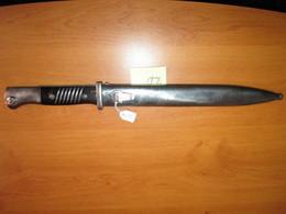 SUPERBE  Baïonnette  Allemande Modèle 1884-98 3ème Type époque 3ème Reich Version Plaquettes Bakélite.... - Knives/Swords