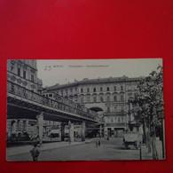 BERLIN HOCHBAHN HAUSDURCHBRUCH - Mitte