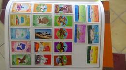 R31 Sur Feuilles De Cahier Timbres Corée, Hong-Kong, Indes, Indochine . Port Offert à 50 % Pour La France - Collections (en Albums)