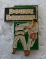 Pin's - Judo - DOUWE -EGBERTS - - Judo