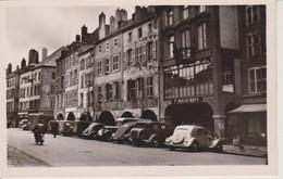 57 - THIONVILLE - 1950 - PLACE DU MARCHE - COMMERCES + TRACTION - Thionville