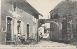 BREUVANNES -- Arcade -Bureau De Poste - Andere Gemeenten